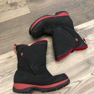 LL Bean Boy Black and Red Snow Boots 5